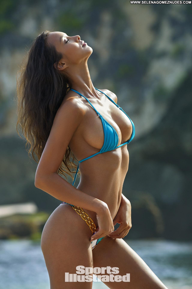 Lais Ribeiro Sports Illustrated Swimsuit Christmas Italian Swimsuit