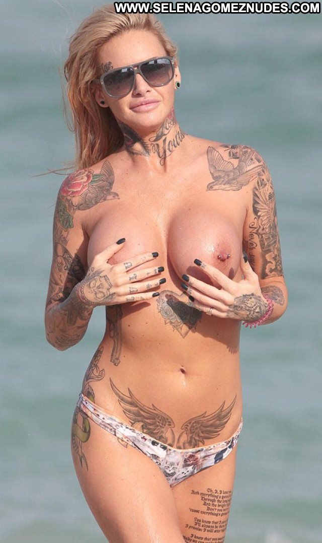 Big Brother Big Brother Reality Star Famous Tattoo Model Beach