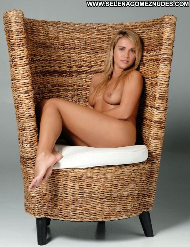 Jenny Scordamaglia S Magazine Blonde Bombshell Celebrity Bra Uruguay