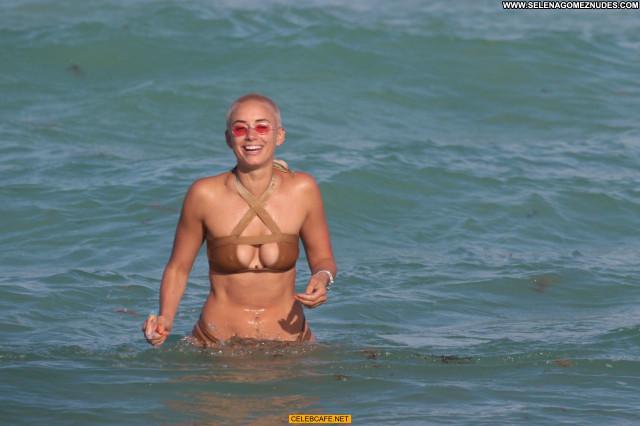 Julieanna Goddard No Source Cleavage Babe Posing Hot Sex Beautiful