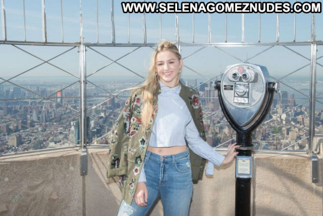 Chloe Lukasiak New York  Posing Hot Paparazzi Celebrity New York