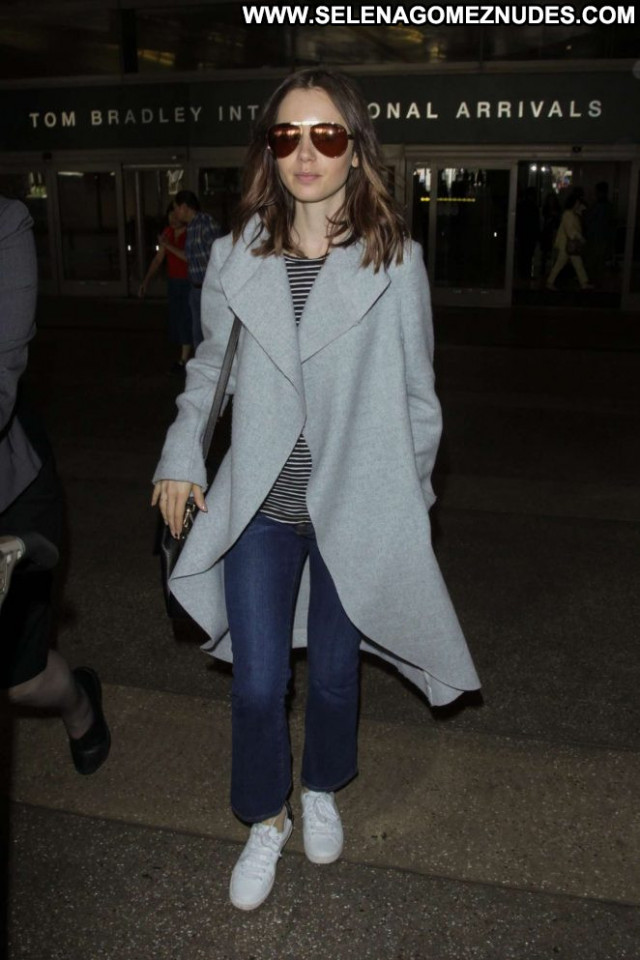 Lily Collins Los Angeles Paparazzi Posing Hot Beautiful Celebrity Los