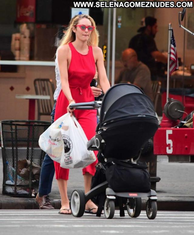 Candice Swanepoel New York Babe Posing Hot New York Paparazzi