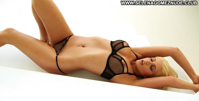 Denise No Source Babe Hot Beautiful Glamour Celebrity Model Blonde