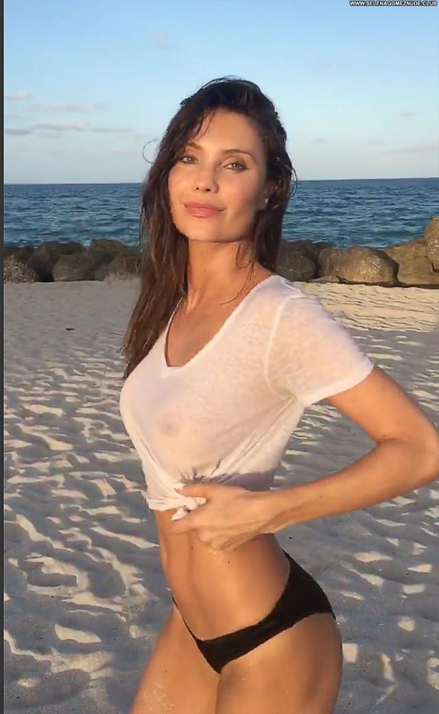Replies The Beach Photoshoot Babe Desi Posing Hot Wet Brazilian See
