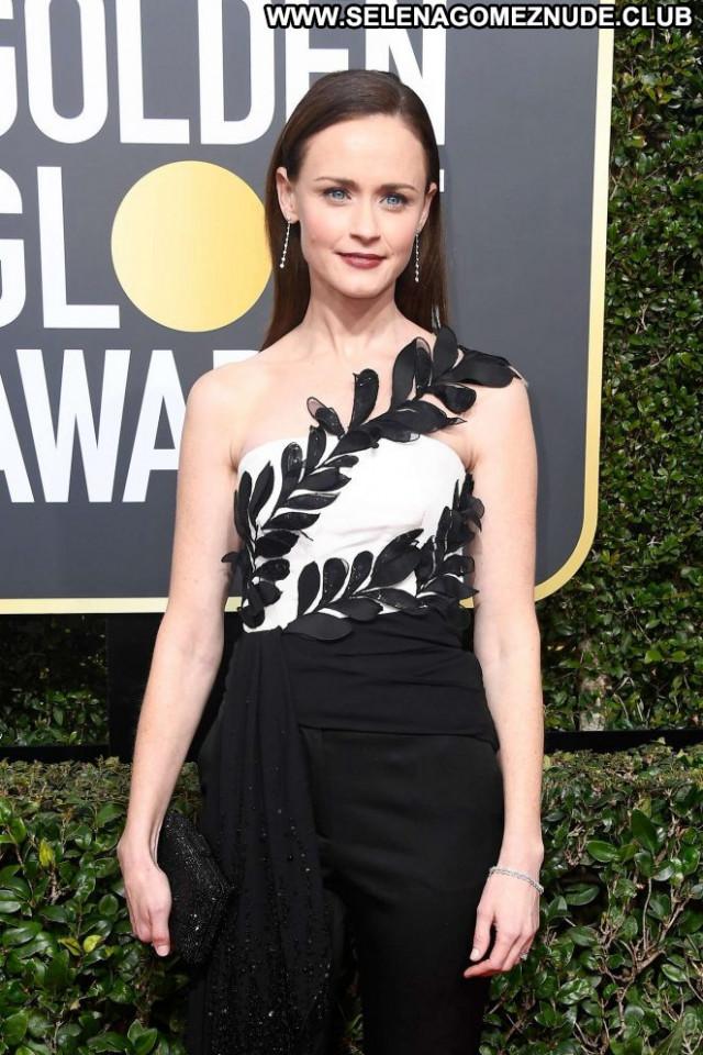 Alexis Bledel Golden Globe Awards Paparazzi Celebrity Beautiful