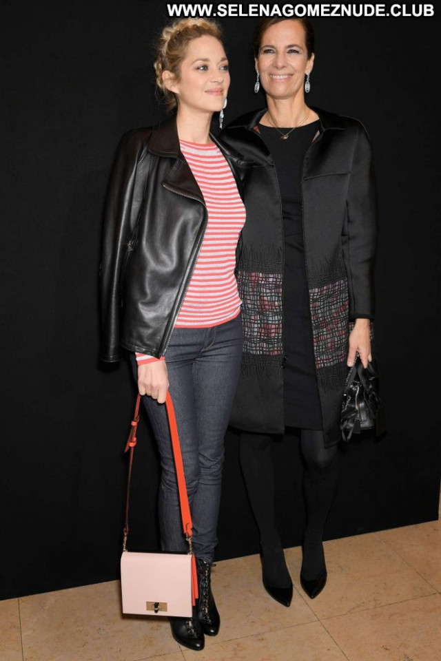 Marion Cotillard Fashion Show Paparazzi Beautiful Celebrity Posing
