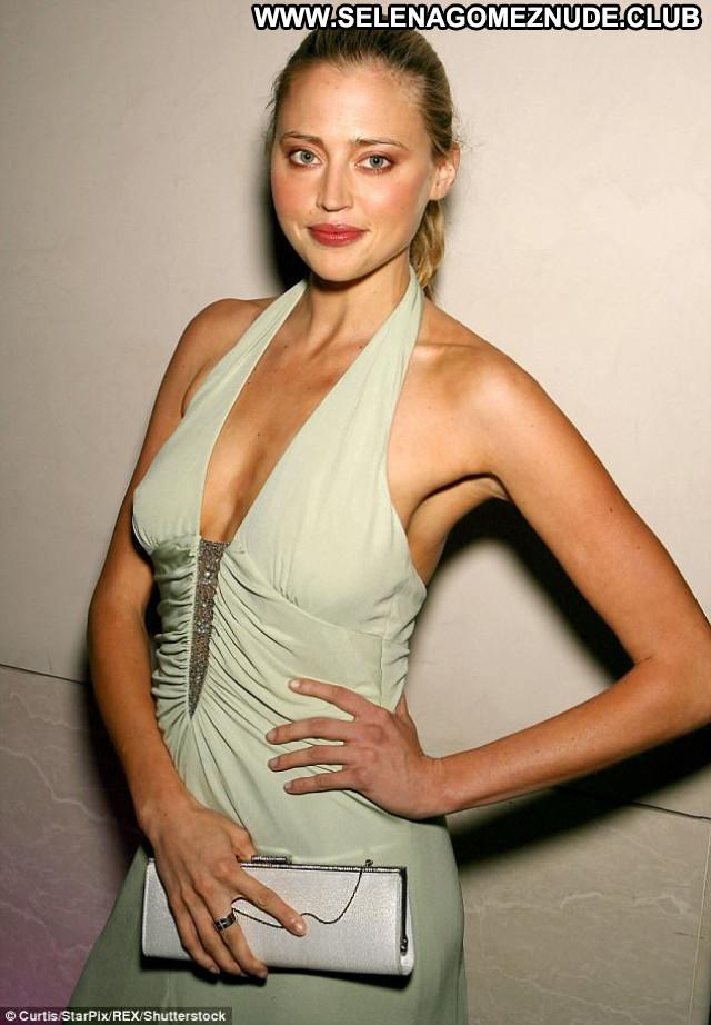 Estella Warren Beauty And The Beast Celebrity Hot Toples Bikini