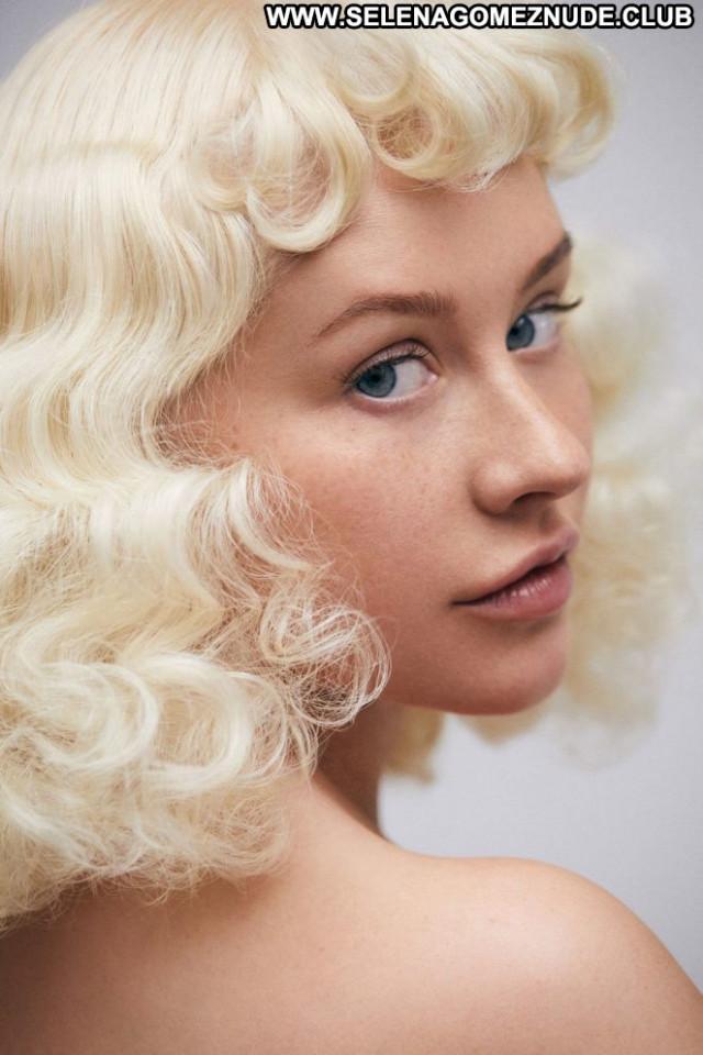 Christina Aguilera No Source Beautiful Celebrity Magazine Paparazzi