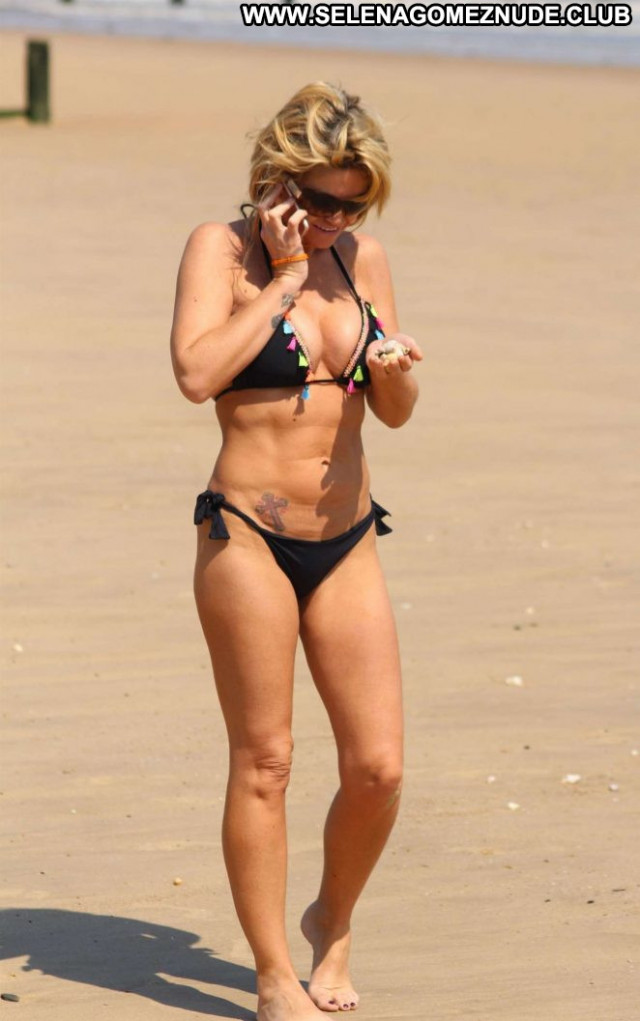Danniella Westbrook The Beach Celebrity Sea Beach Paparazzi Posing