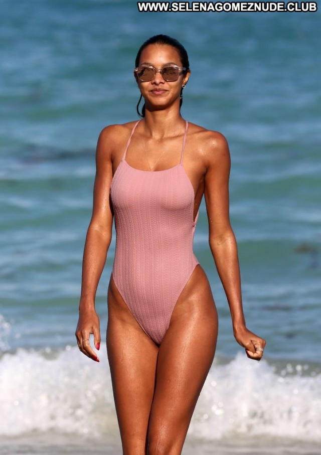 Yana Koshkina Miami Beach Porn Hot Xxx Celebrity Brazil Legs Bra