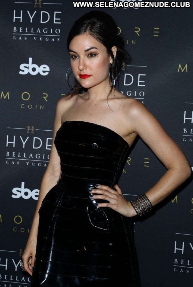 Sasha Grey Las Vegas Beautiful Posing Hot Paparazzi Celebrity Babe