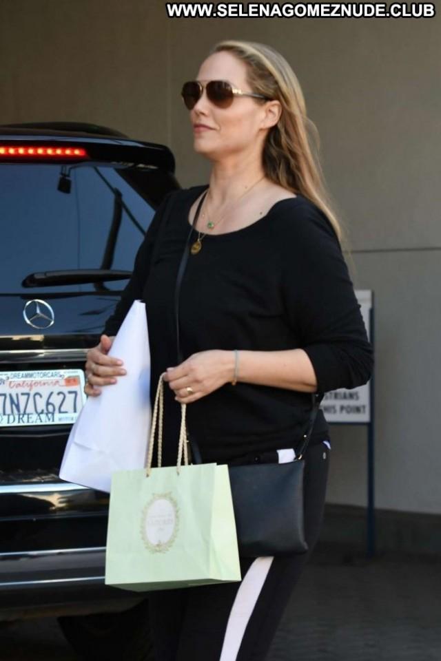 Elizabeth Berkley Los Angeles Beautiful Shopping Posing Hot Babe