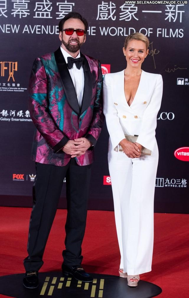 Nicky Whelan The Red Carpet China Sex Sexy Posing Hot International