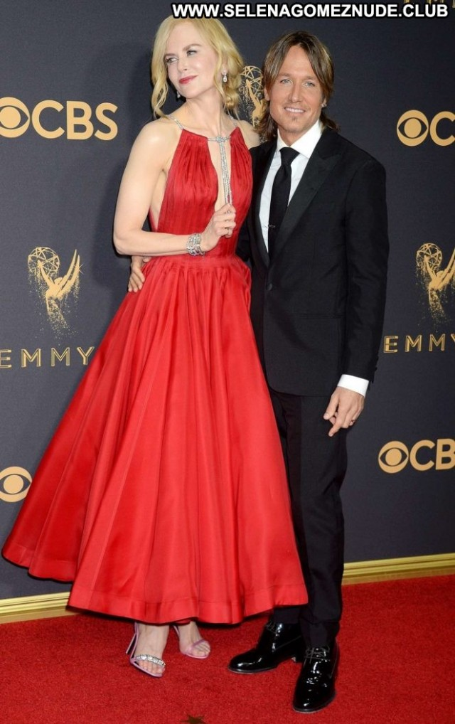 Nicole Kidman Primetime Emmy Awards Posing Hot Paparazzi Celebrity