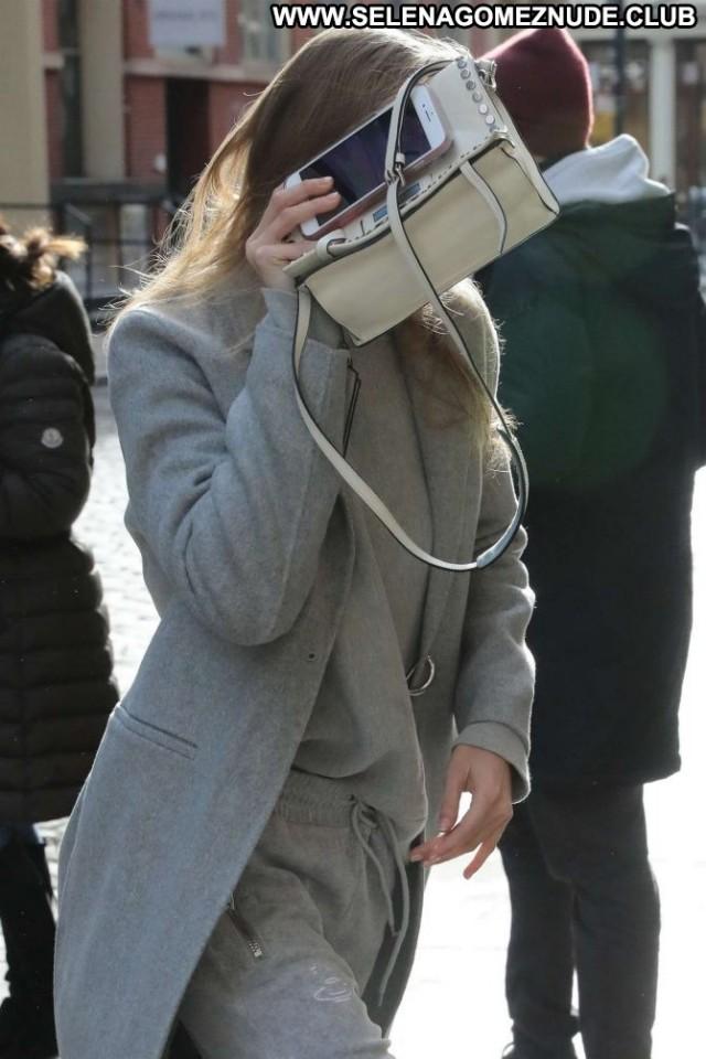 Gigi Hadid No Source Nyc Paparazzi Beautiful Posing Hot Celebrity Babe