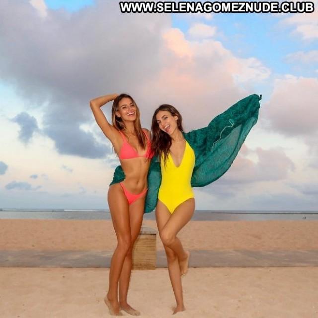 Victoria Justice No Source Posing Hot Bikini Hot Paparazzi Celebrity