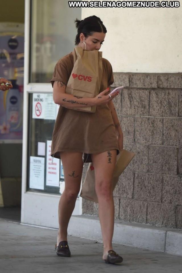 Halsey Los Angeles Angel Babe Beautiful Shopping Celebrity Posing Hot