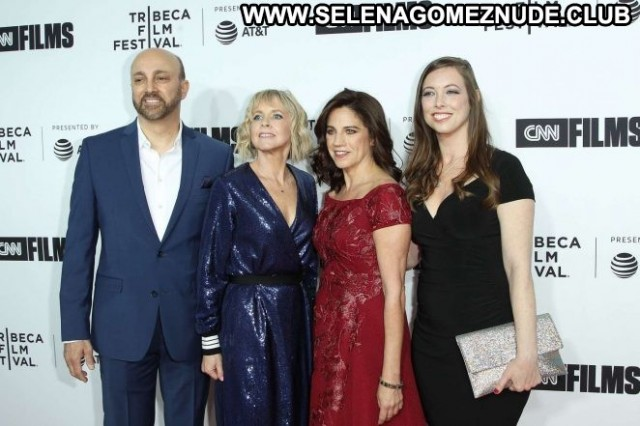Lisa Dapolito Tribeca Film Festival Celebrity Nyc Paparazzi Posing