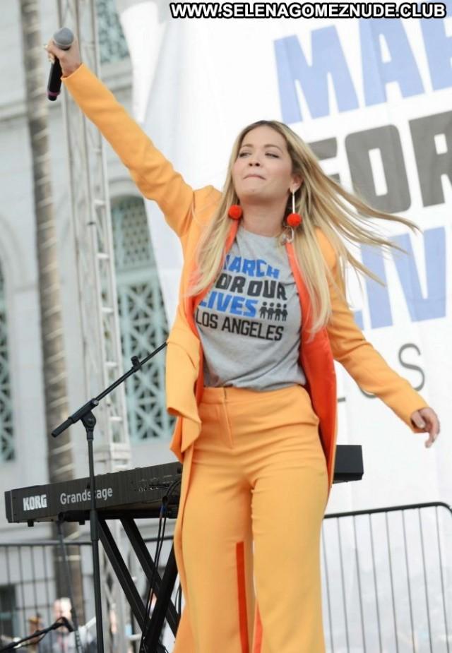 Rita Ora No Source  Live Paparazzi Babe Posing Hot Beautiful Celebrity