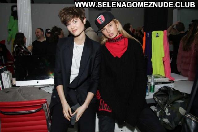 Romee Strijd V Magazine Beautiful Magazine Babe Paparazzi Celebrity