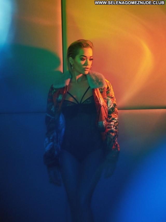 Rita Ora Vanity Fair Beautiful Twitter Posing Hot Celebrity Babe