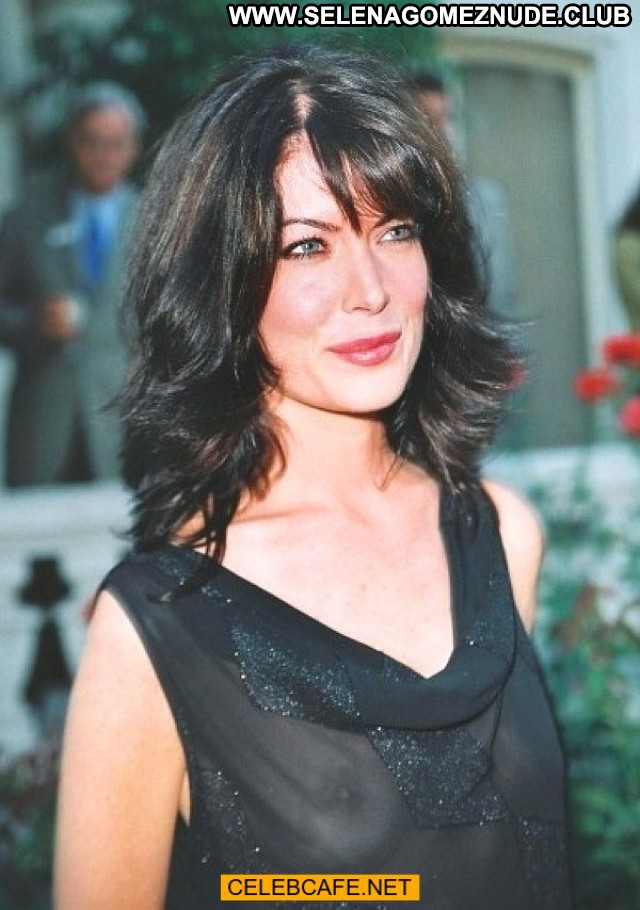 Lara Flynn No Source Celebrity See Through Babe Bra Beautiful Braless