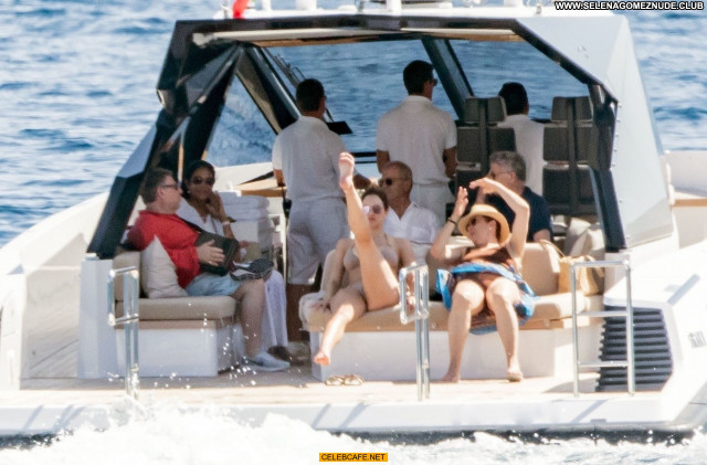 Katharine Mcphee No Source Beautiful Topless Celebrity Yacht Toples