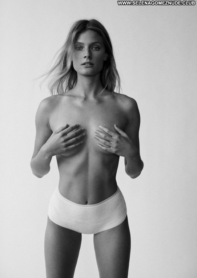 Constance Jablonski No Source Topless Posing Hot Photoshoot Toples