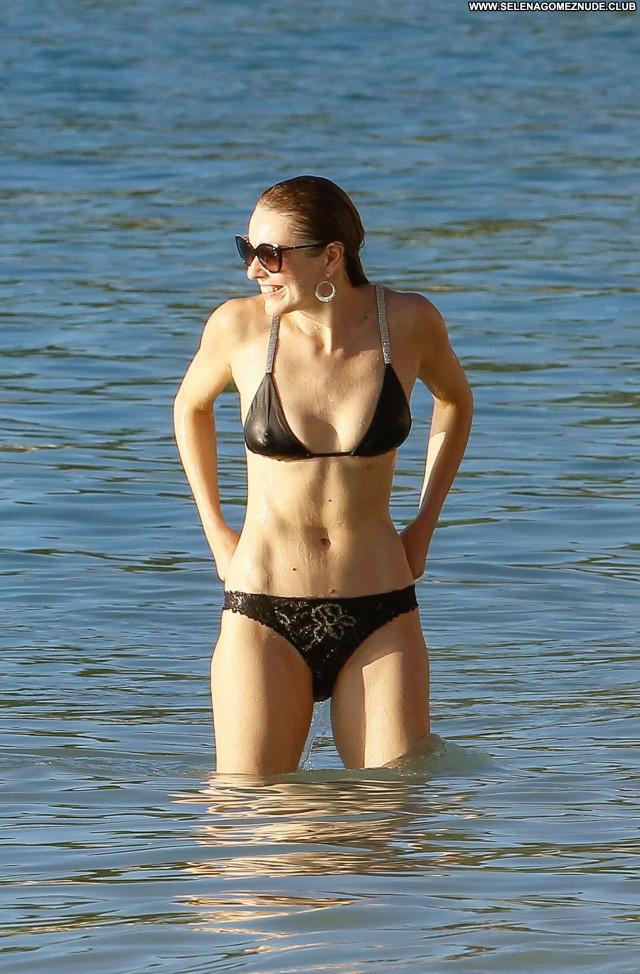 Zoe Salmon No Source Beautiful Posing Hot Bikini Babe Celebrity Bus