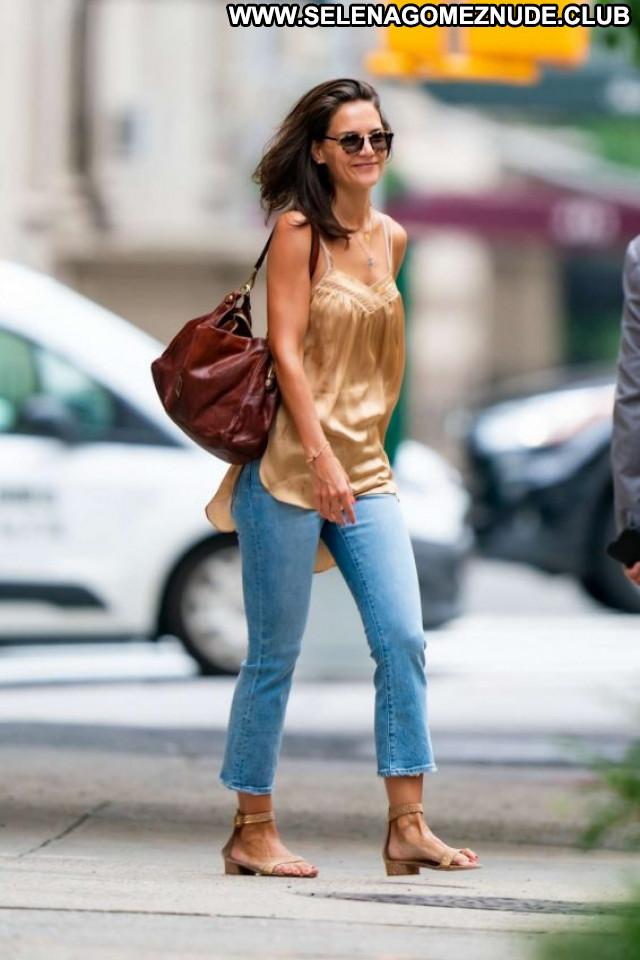 Katie Holme New York Paparazzi Beautiful Celebrity Posing Hot Babe