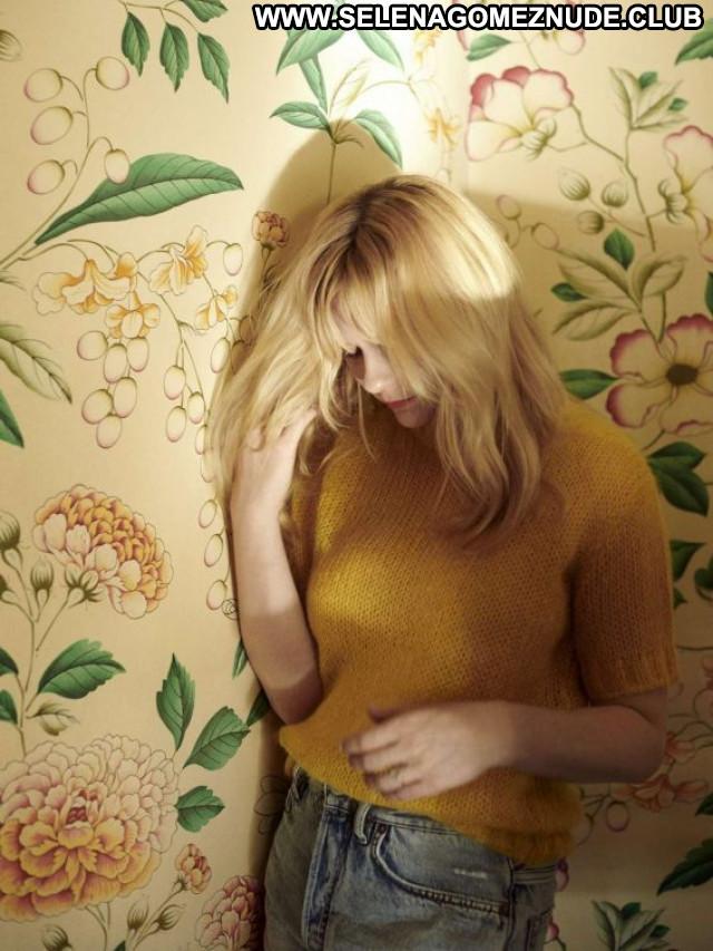 Kirsten Dunst No Source Celebrity Babe Posing Hot Paparazzi Beautiful