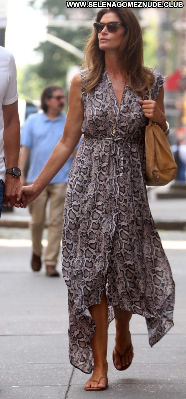 Cindy Crawford New York  Celebrity Posing Hot Babe Paparazzi Beautiful