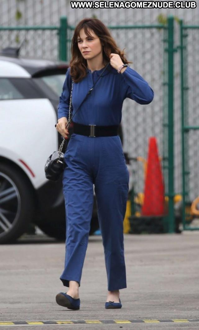 Zooey Deschanel No Source Paparazzi Celebrity Posing Hot Beautiful