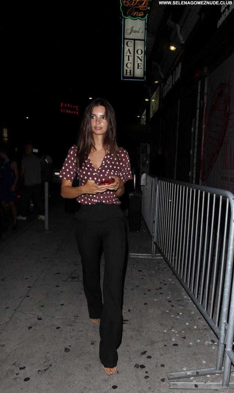 Emily Ratajkowski No Source Celebrity Babe Beautiful Posing Hot Sexy