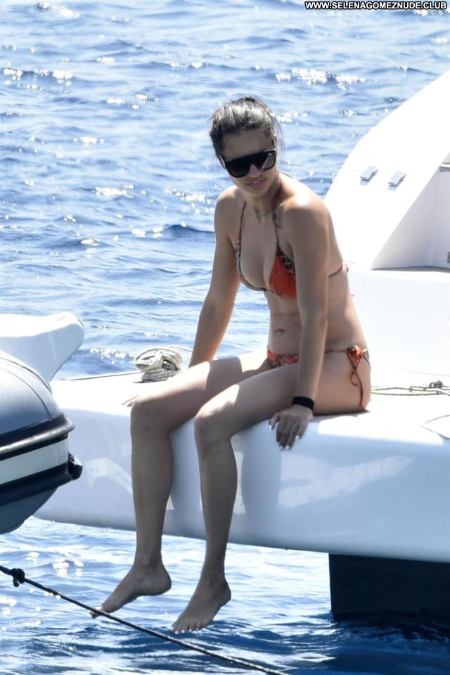 Adriana Lima No Source  Posing Hot Beautiful Celebrity Babe Sexy