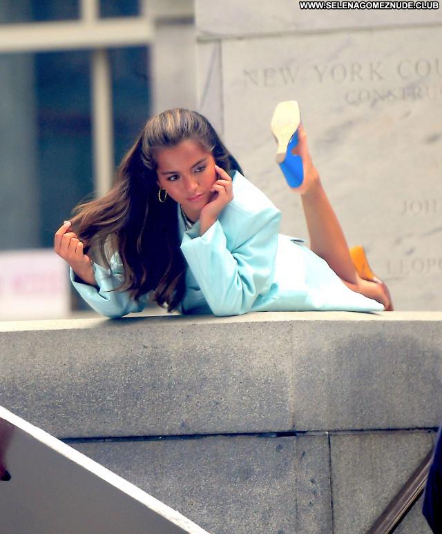 Isabela Moner No Source  Babe Posing Hot Celebrity Sexy Beautiful