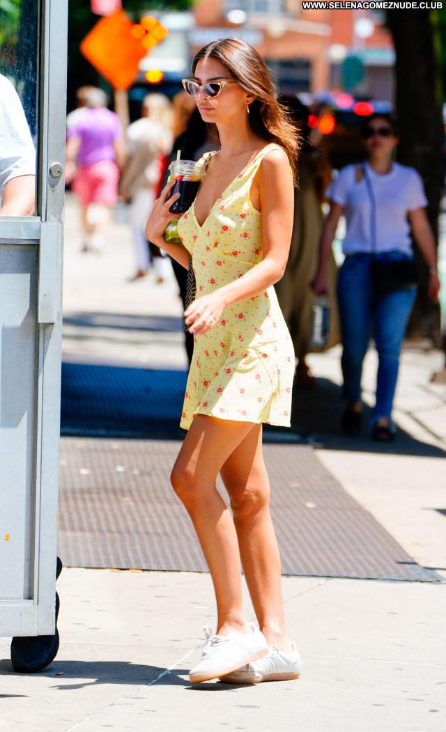 Emily Ratajkowski No Source Sexy Babe Beautiful Celebrity Posing Hot