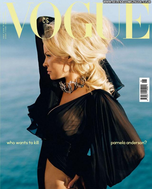 Pamela Anderson No Source Sexy Celebrity Beautiful Posing Hot Babe