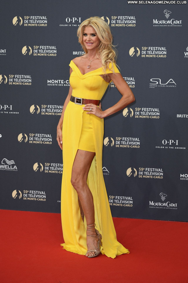 Victoria Silvstedt No Source Posing Hot Babe Beautiful Celebrity Sexy
