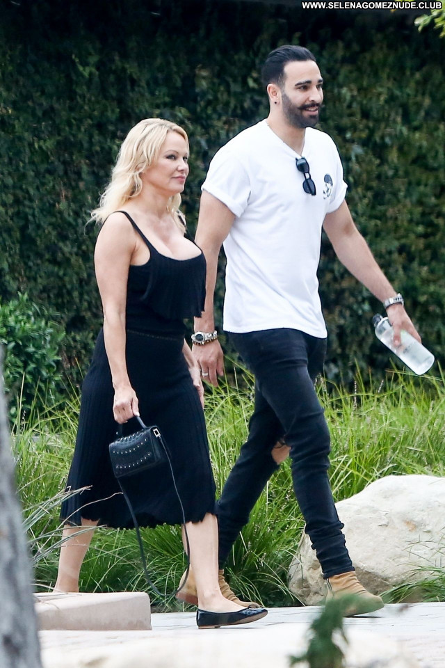 Pamela Anderson No Source Celebrity Beautiful Sexy Babe Posing Hot