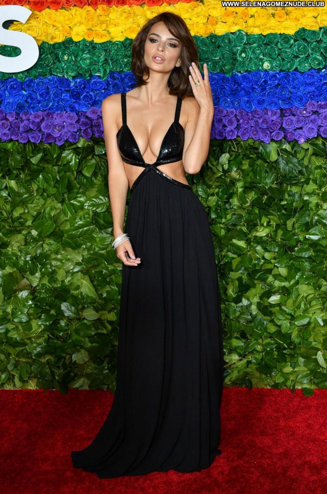 Tony Awards No Source  Sexy Celebrity Babe Beautiful Posing Hot