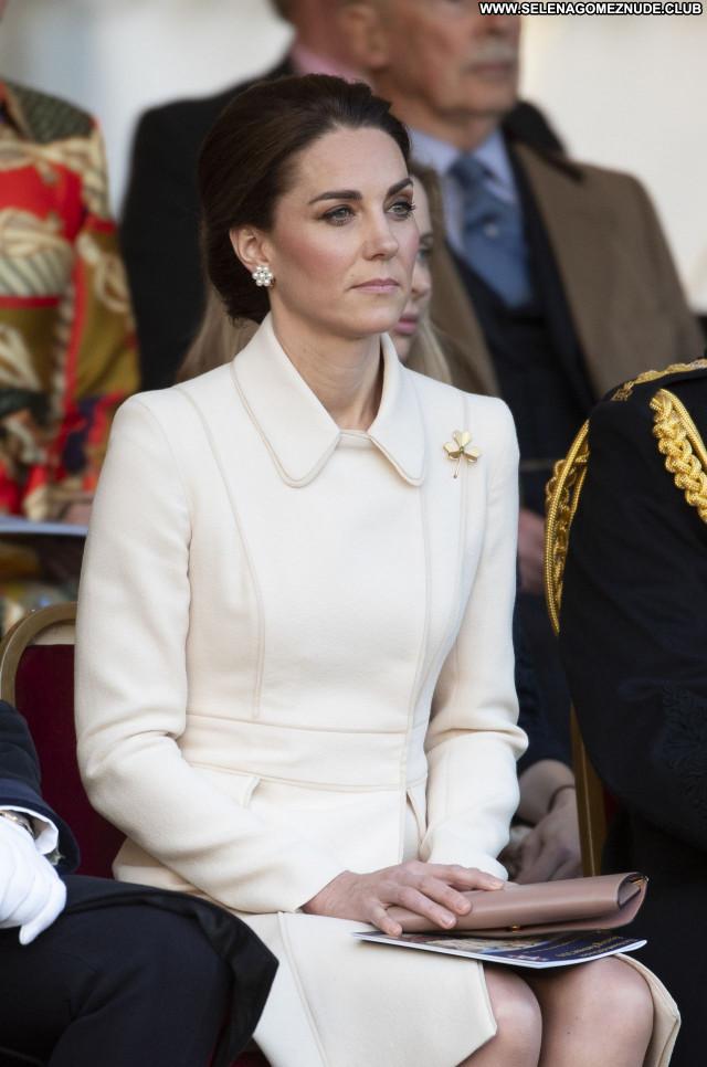 Kate Middleton No Source Sexy Beautiful Babe Celebrity Posing Hot