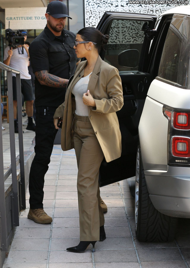 Kourtney Kardashian No Source Babe Beautiful Posing Hot Celebrity Sexy