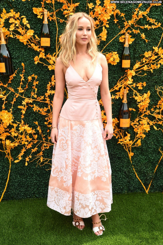 Nude Celebrity Celebrity Pictures and Videos | Famous and