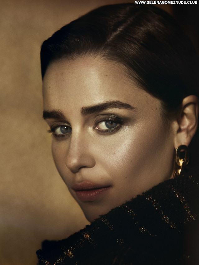 Emilia Clarke No Source Sexy Beautiful Posing Hot Celebrity Babe