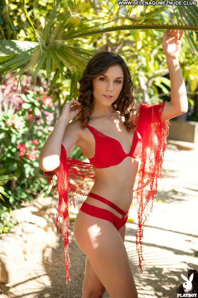 Elena Generi No Source Babe Videos Bus Celebrity Posing Hot Bush