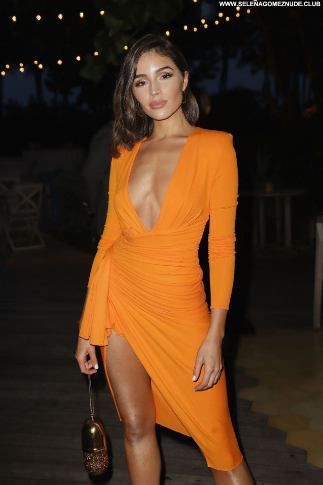 Olivia Culpo No Source Celebrity Posing Hot Babe Beautiful Sexy