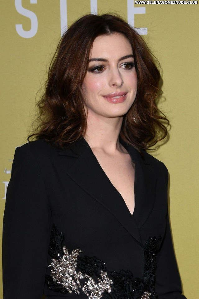 Anne Hathaway No Source Celebrity Sexy Beautiful Posing Hot Babe
