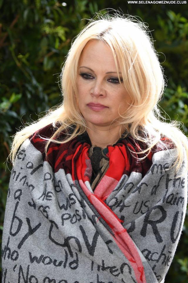 Pamela Anderson No Source  Posing Hot Celebrity Babe Sexy Beautiful